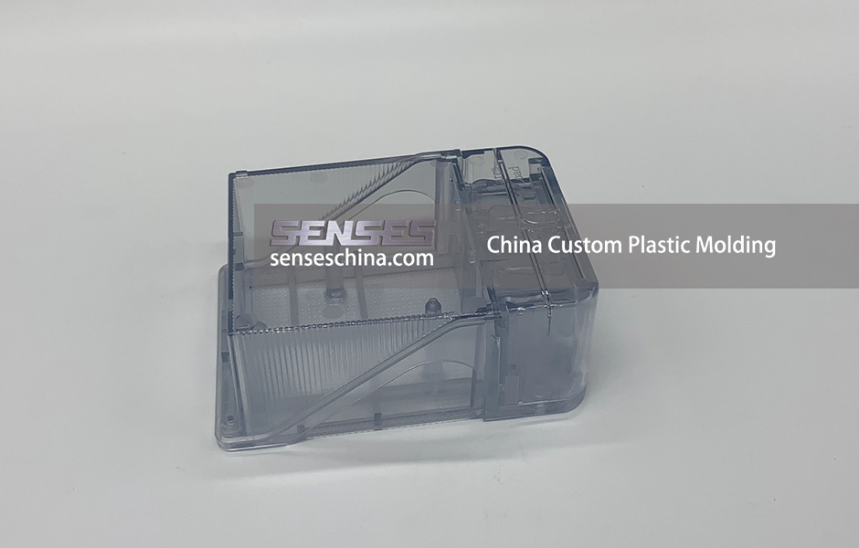 China Custom Plastic Molding