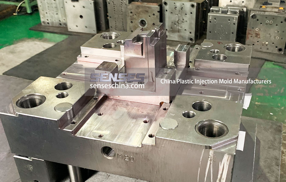 China Plastic Injection Mold Manufacturers